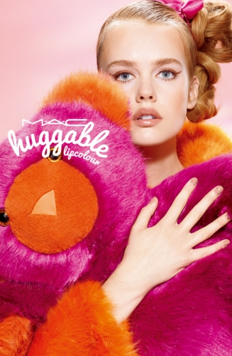 M.A.C – Huggable